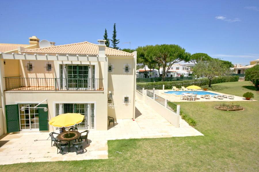 Villa Garden Rental Villa In Vilamoura Algarve Its
