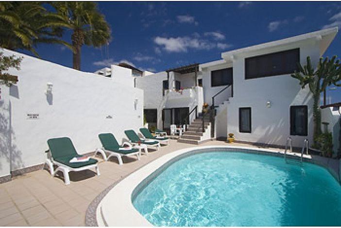 Jessica rental villa in puerto del carmen lanzarote its internet travel shop travel agency - Car rental puerto del carmen ...
