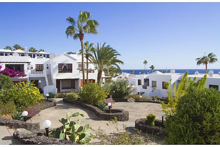Tabaybas rental apartment in puerto del carmen lanzarote its internet travel shop travel - Car rental puerto del carmen ...